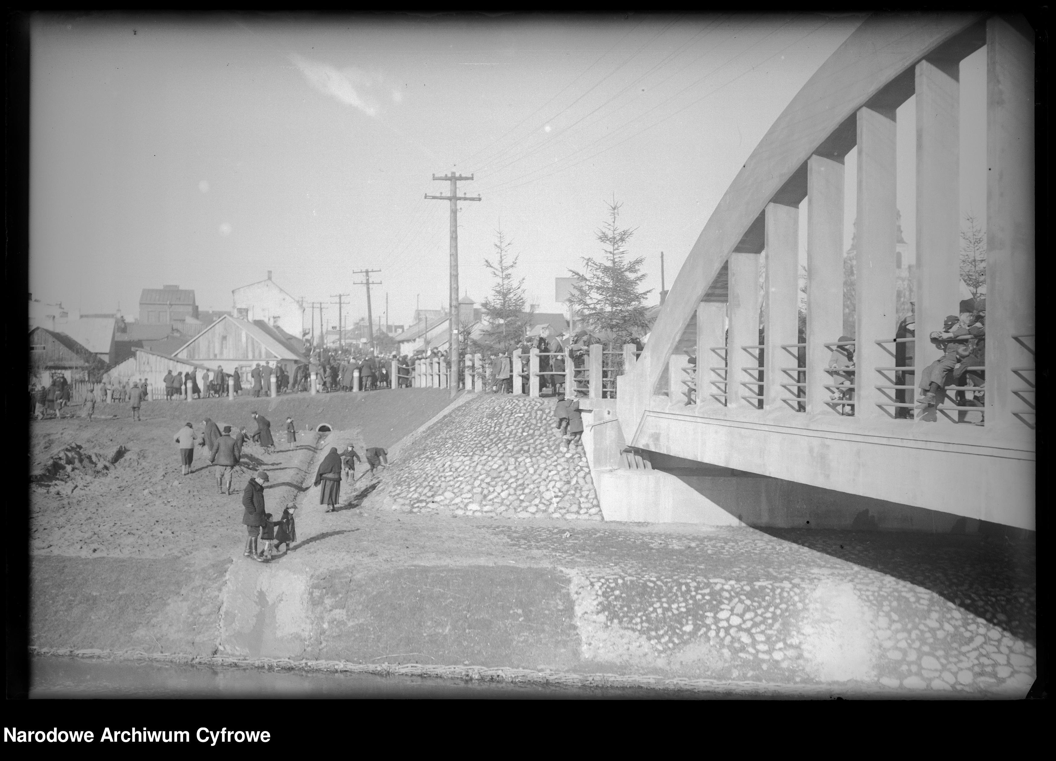 Uroczystość otwarcia mostu na Wildze w Garwolinie 1935 r.