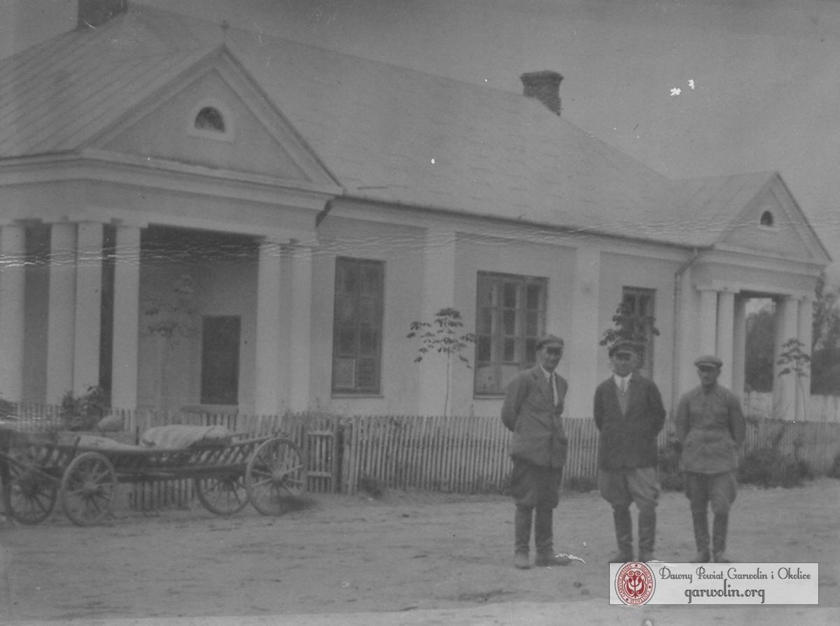 Przedwojenny dom ludowy z Korytnicy Łaskarzewskiej