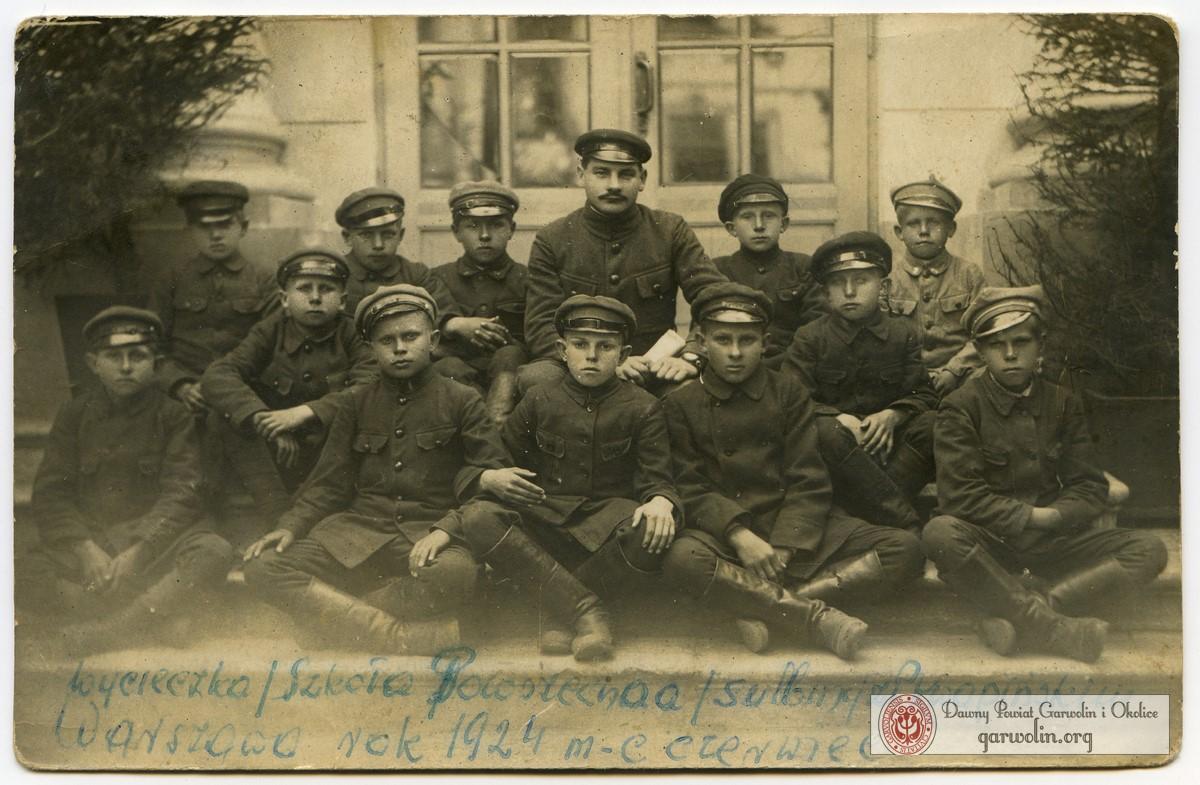 Szkoła Powszechna z Sulbin na wycieczce w W-wie 1924 r.
