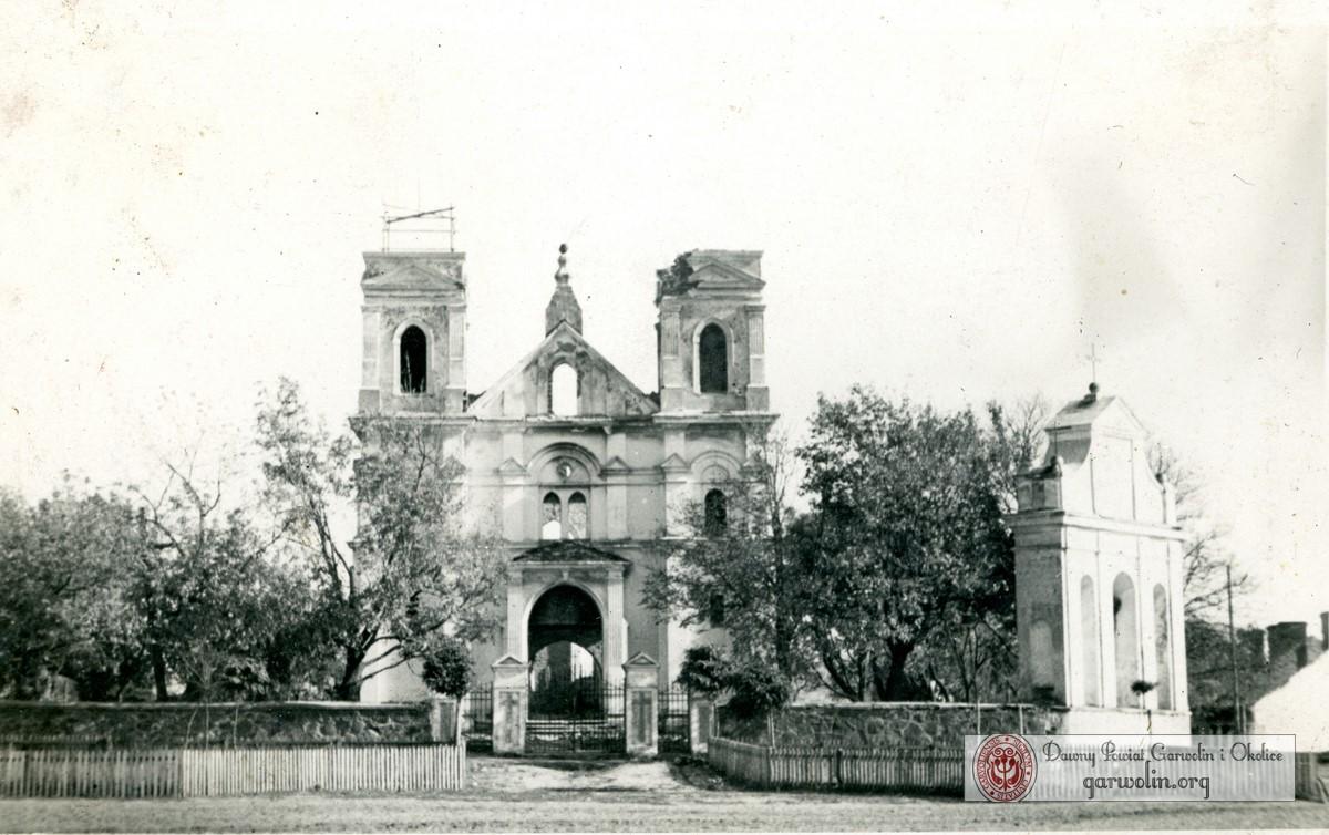 Łaskarzewski kościół po spaleniu