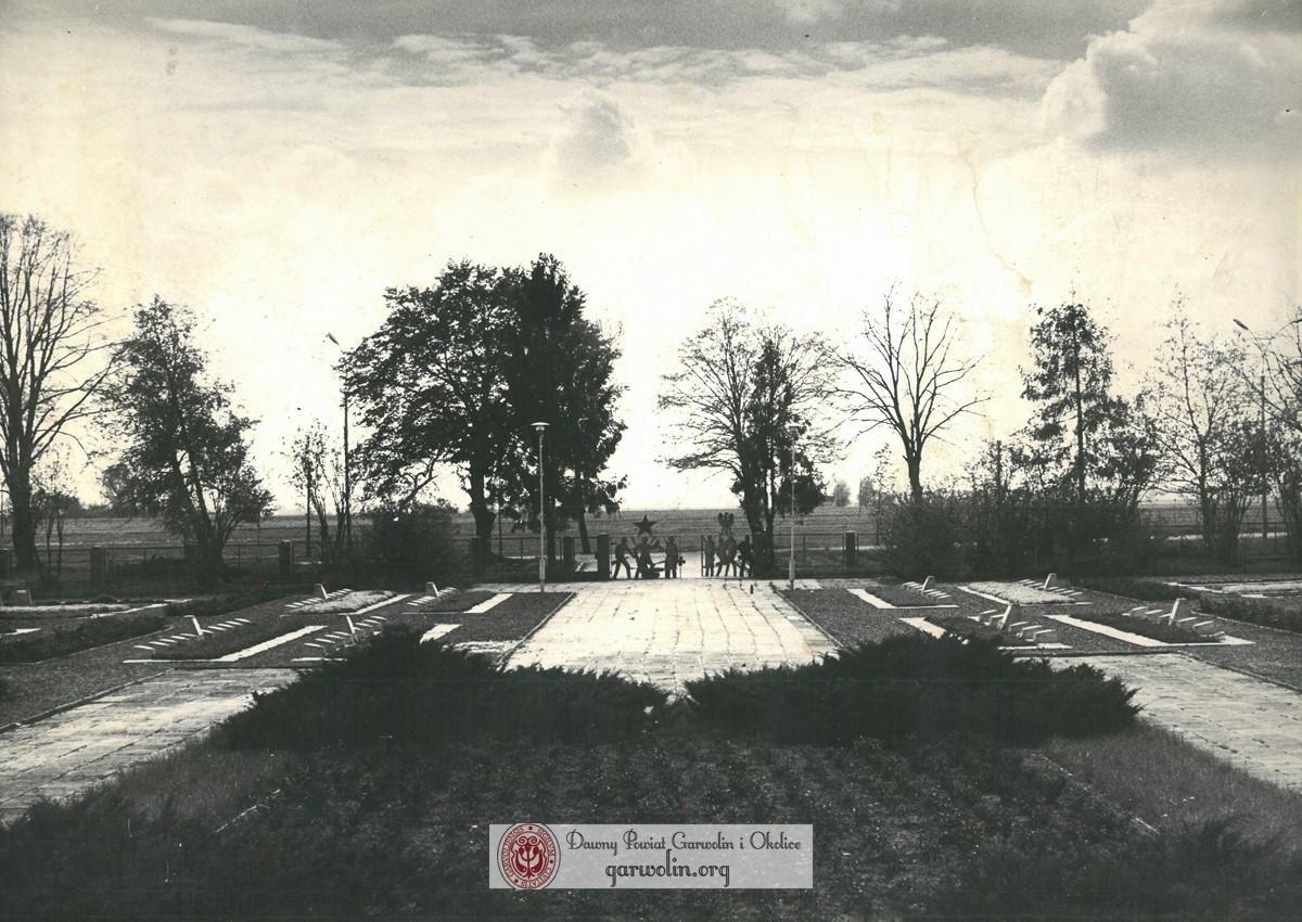 Cmentarz wojenny w Garwolinie