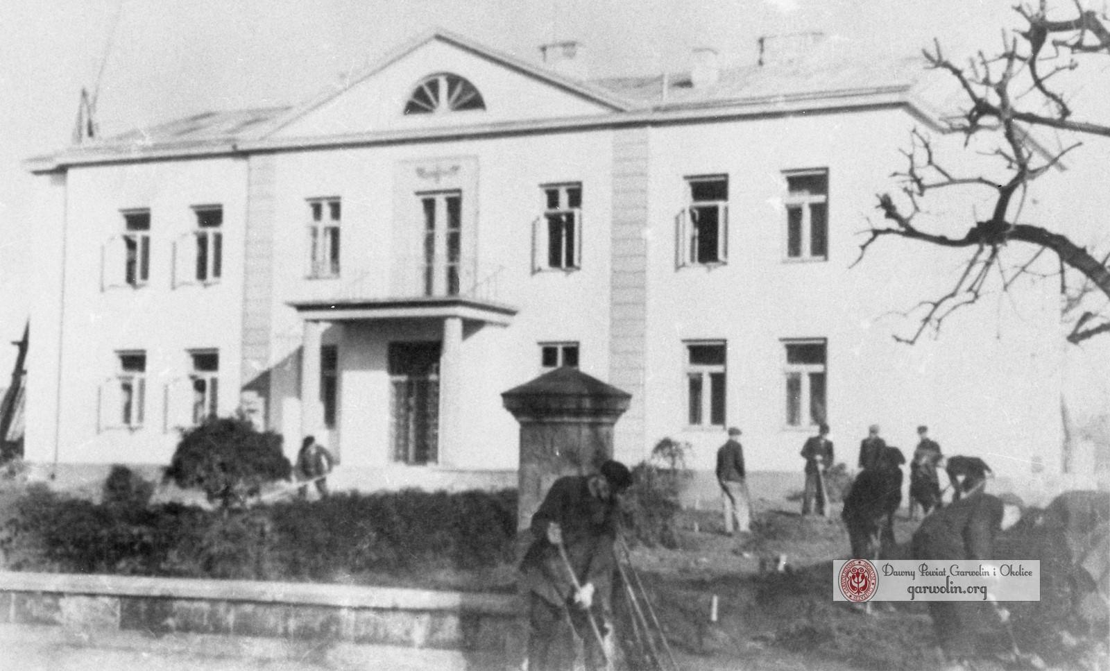 Porządki przy plebani w czasie okupacji