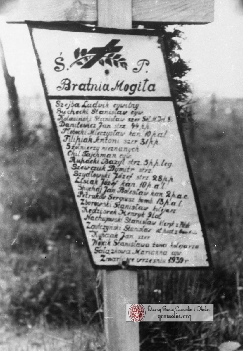 Bratnia mogiła w Garwolinie z września 1939