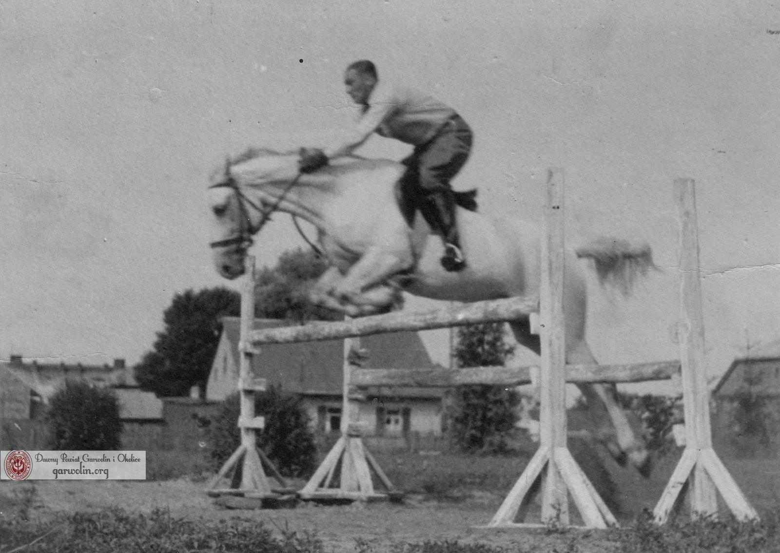 Starosta niemiecki Freudenthal skaczący na koniu