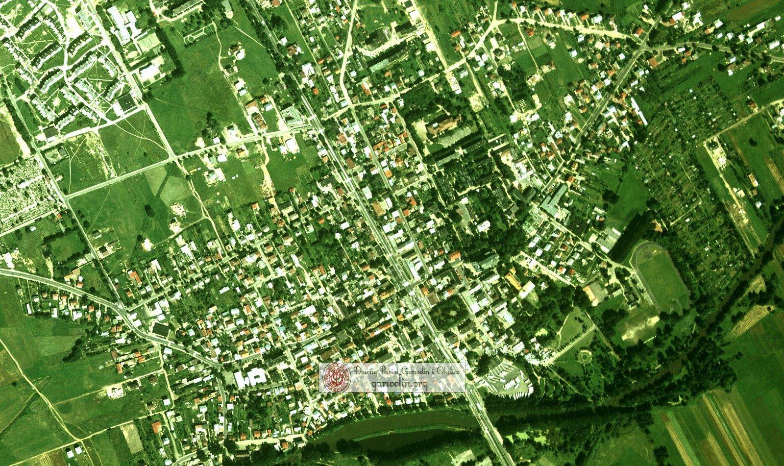 Garwolin i okolice na zdjęciu lotniczym - ok. 1997r.