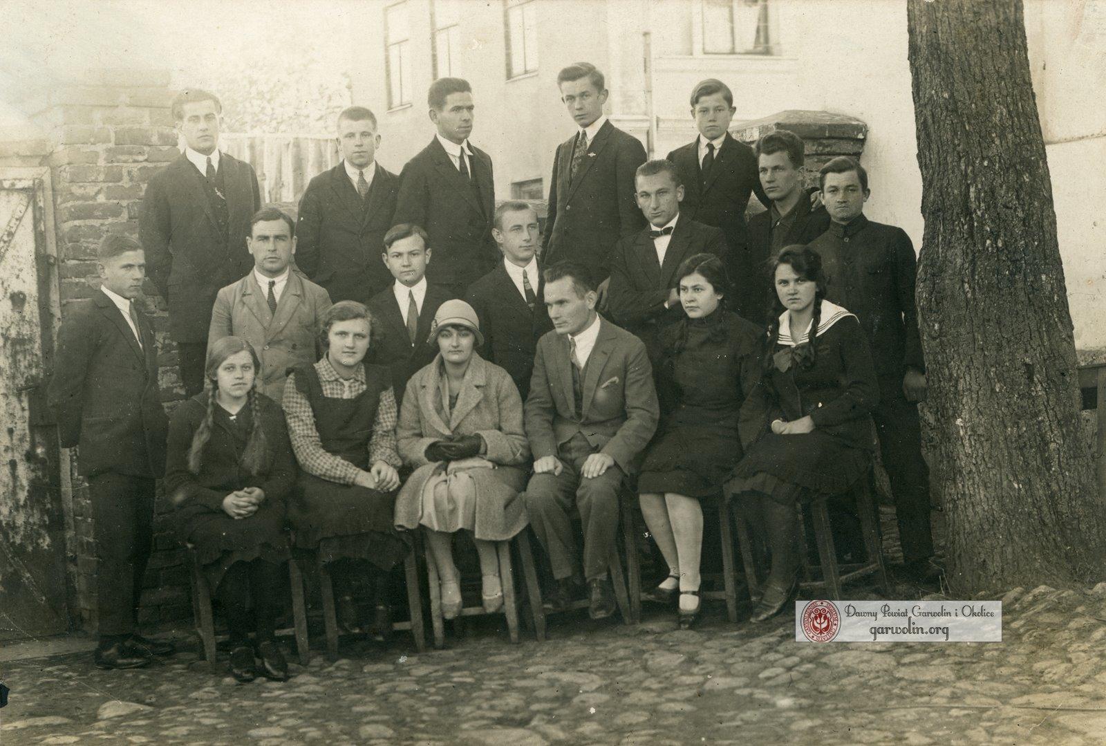 Szkoła Powszechna kl VIII 1927/28
