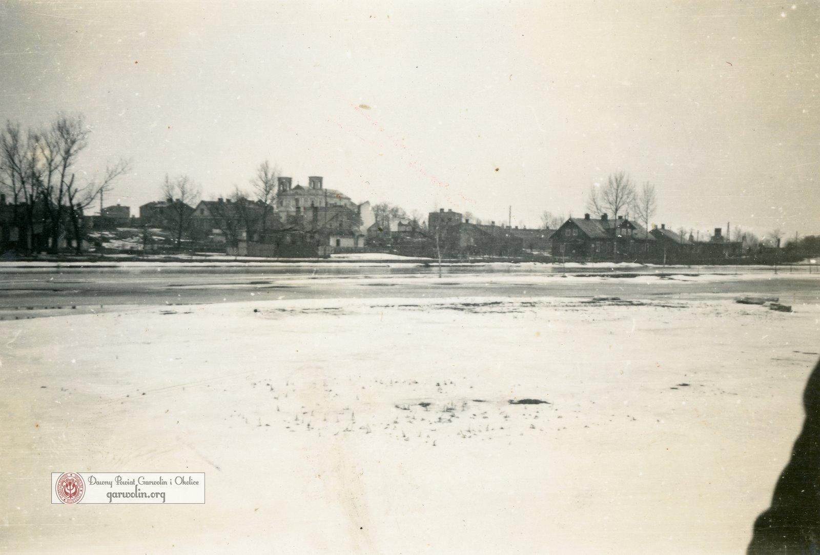 Widok z Błoń na Garwolin